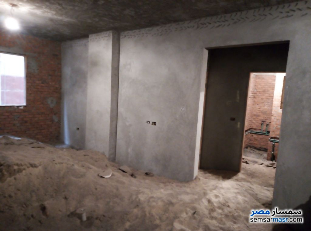 Photo 3 - Apartment 2 bedrooms 1 bath 105 sqm semi finished For Sale Shubra El Kheima Qalyubiyah