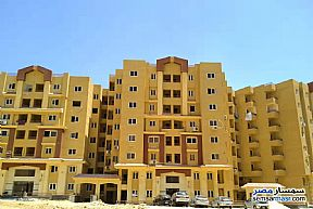 Ad Photo: Apartment 2 bedrooms 1 bath 109 sqm semi finished in Katameya  Cairo