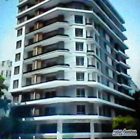 Ad Photo: Apartment 2 bedrooms 1 bath 117 sqm without finish in Downtown Cairo  Cairo