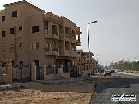 Ad Photo: Apartment 3 bedrooms 2 baths 130 sqm semi finished in Shorouk City  Cairo