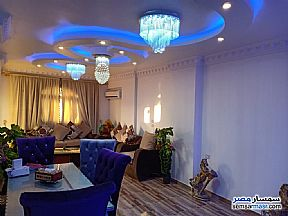 Ad Photo: Apartment 4 bedrooms 1 bath 140 sqm extra super lux in Ain Shams  Cairo
