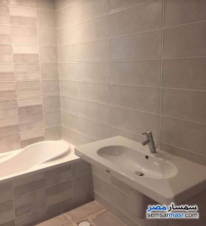 Photo 3 - Apartment 2 bedrooms 2 baths 144 sqm extra super lux For Sale Fifth Settlement Cairo