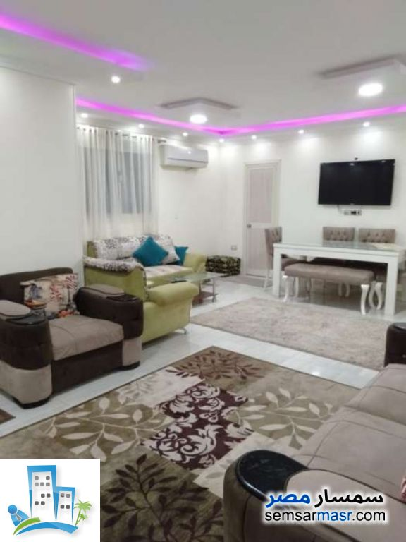 Ad Photo: Apartment 3 bedrooms 2 baths 150 sqm extra super lux in Haram  Giza