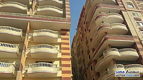 Ad Photo: Apartment 3 bedrooms 2 baths 150 sqm without finish in Hadayek Helwan  Cairo