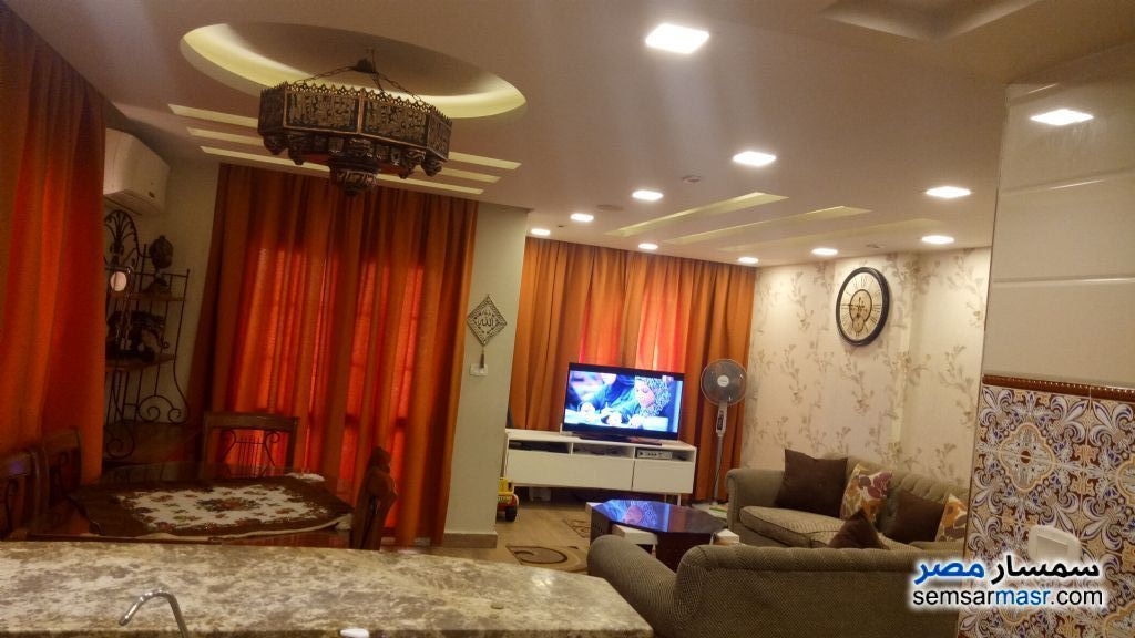 Ad Photo: Apartment 3 bedrooms 1 bath 154 sqm extra super lux in Mokattam  Cairo