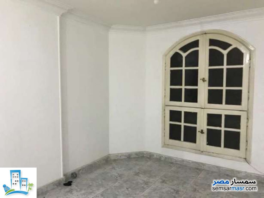 Ad Photo: Apartment 3 bedrooms 2 baths 160 sqm in New Nozha  Cairo