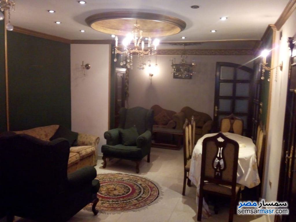 Ad Photo: Apartment 3 bedrooms 2 baths 160 sqm in Mohandessin  Giza