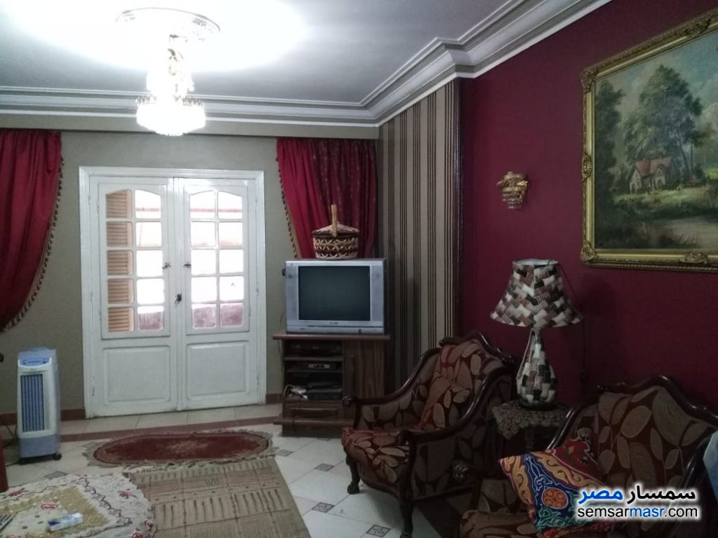 Ad Photo: Apartment 3 bedrooms 1 bath 165 sqm super lux in Giza