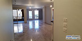 Apartment 3 bedrooms 2 baths 175 sqm extra super lux For Sale Fifth Settlement Cairo - 3