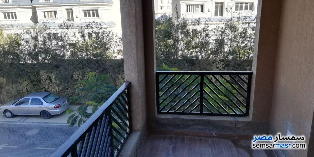 Photo 7 - Apartment 3 bedrooms 2 baths 175 sqm extra super lux For Sale Fifth Settlement Cairo