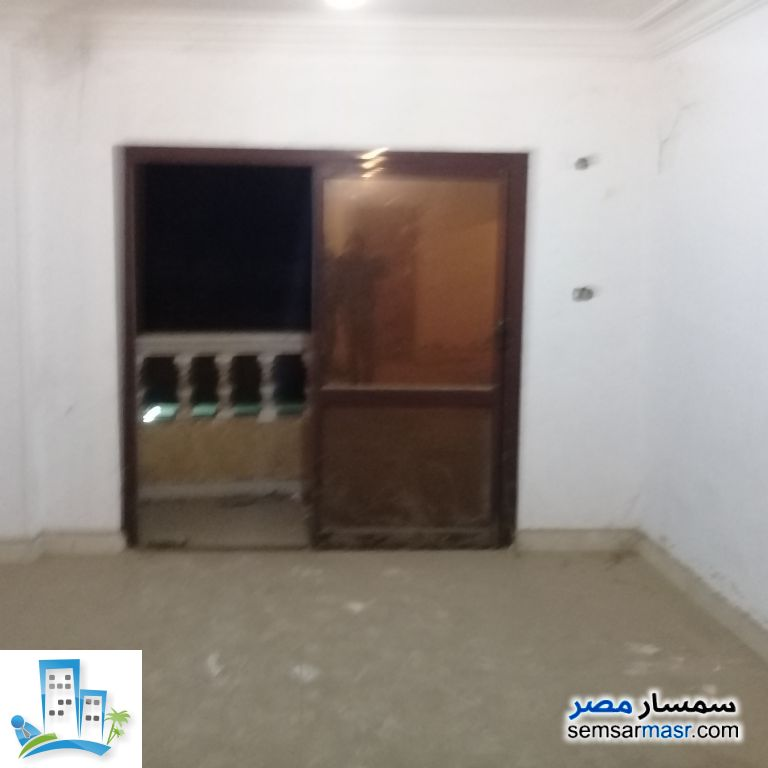 Ad Photo: Apartment 3 bedrooms 2 baths 180 sqm in Cairo