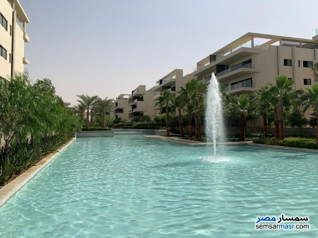 Ad Photo: Apartment 3 bedrooms 2 baths 191 sqm semi finished in Fifth Settlement  Cairo