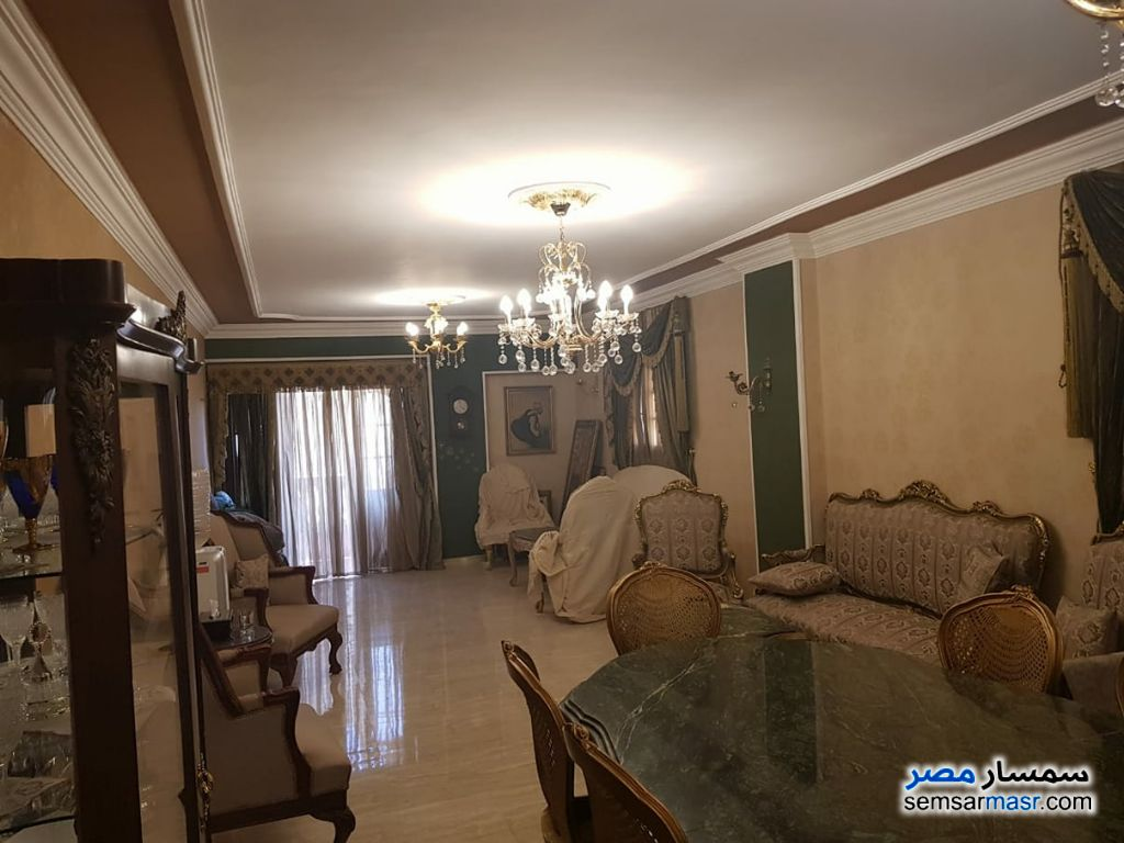 Photo 1 - Apartment 3 bedrooms 2 baths 195 sqm extra super lux For Sale Hadayek Al Ahram Giza