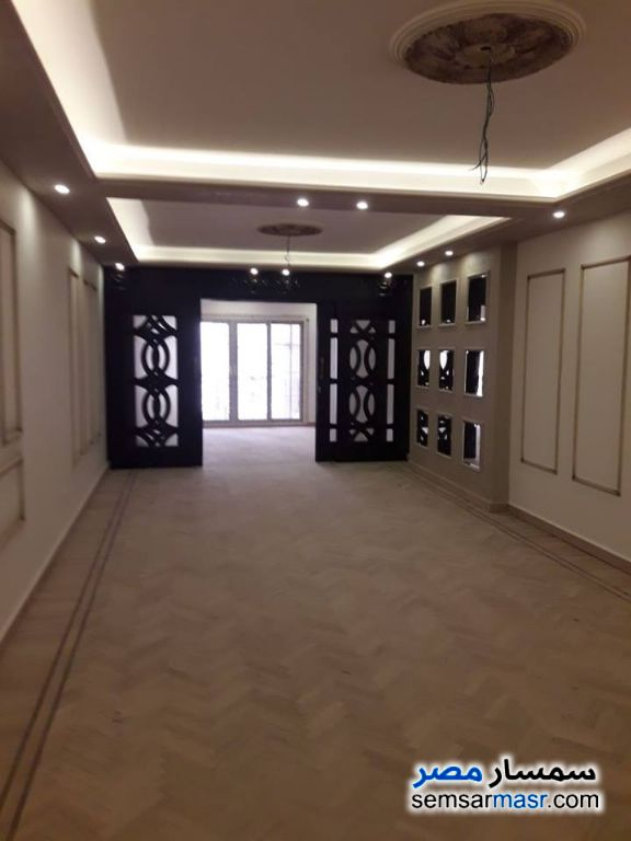 Ad Photo: Apartment 3 bedrooms 2 baths 195 sqm extra super lux in Roshdy  Alexandira