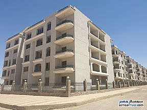 Ad Photo: Apartment 3 bedrooms 2 baths 197 sqm semi finished in New Heliopolis  Cairo