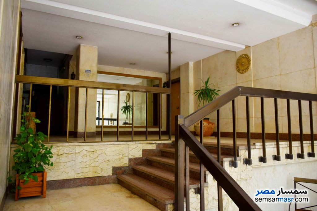 Ad Photo: Apartment 3 bedrooms 3 baths 250 sqm super lux in Maadi  Cairo