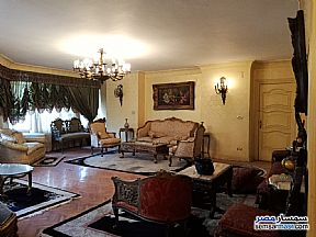 Ad Photo: Apartment 4 bedrooms 3 baths 260 sqm super lux in Mohandessin  Giza