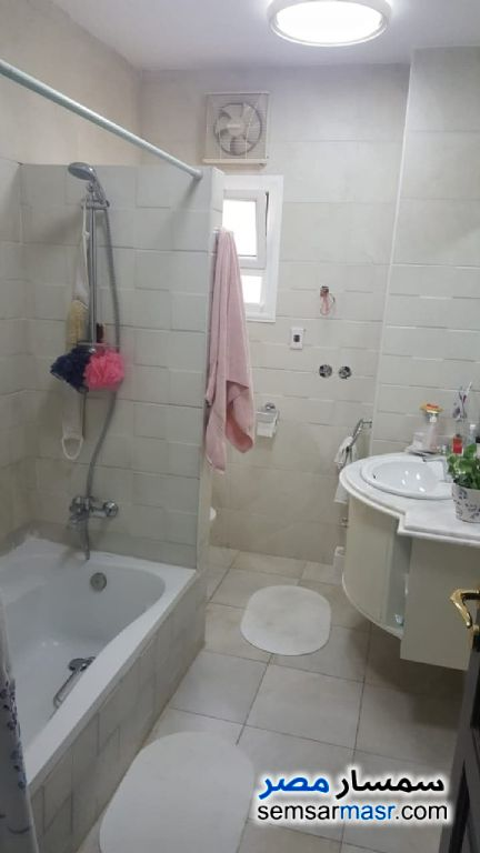 Photo 5 - Apartment 4 bedrooms 2 baths 300 sqm extra super lux For Sale Fifth Settlement Cairo