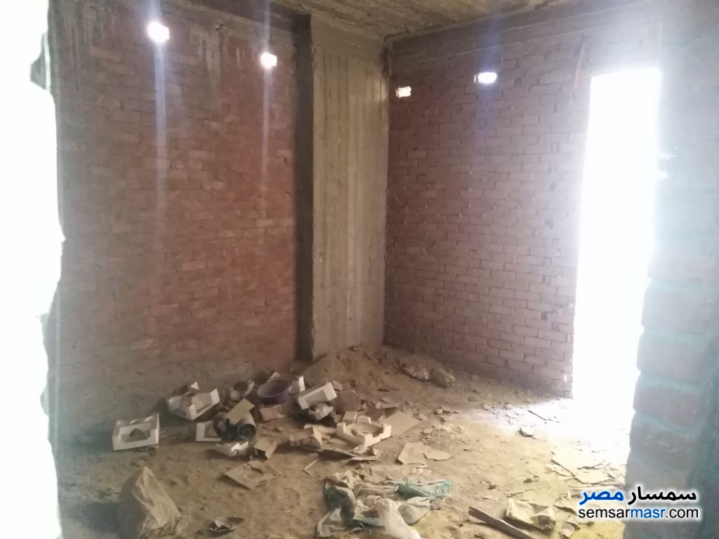 Photo 6 - Apartment 3 bedrooms 1 bath 100 sqm without finish For Sale Faisal Giza