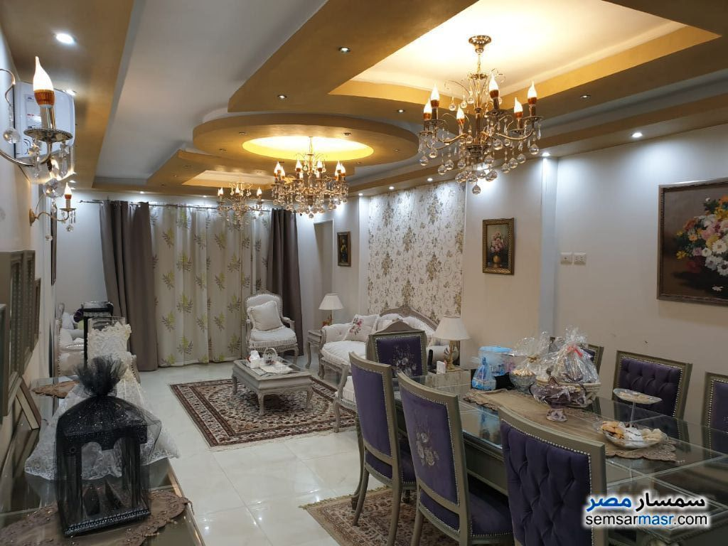 Ad Photo: Apartment 3 bedrooms 2 baths 150 sqm extra super lux in Nasr City  Cairo