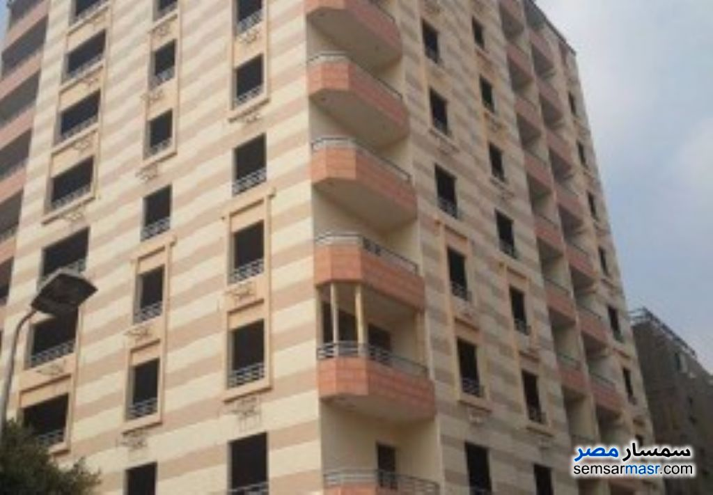 Photo 1 - Apartment 3 bedrooms 2 baths 135 sqm without finish For Sale Haram Giza