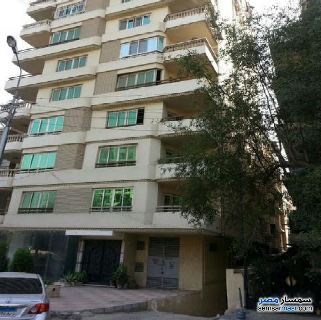 Photo 1 - Apartment 2 bedrooms 1 bath 120 sqm extra super lux For Sale Maadi Cairo