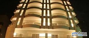 Ad Photo: Apartment 9 bedrooms 3 baths 400 sqm extra super lux in Heliopolis  Cairo