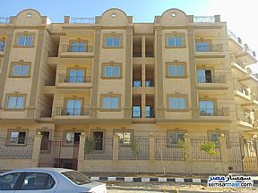 Ad Photo: Apartment 2 bedrooms 2 baths 155 sqm semi finished in Shorouk City  Cairo