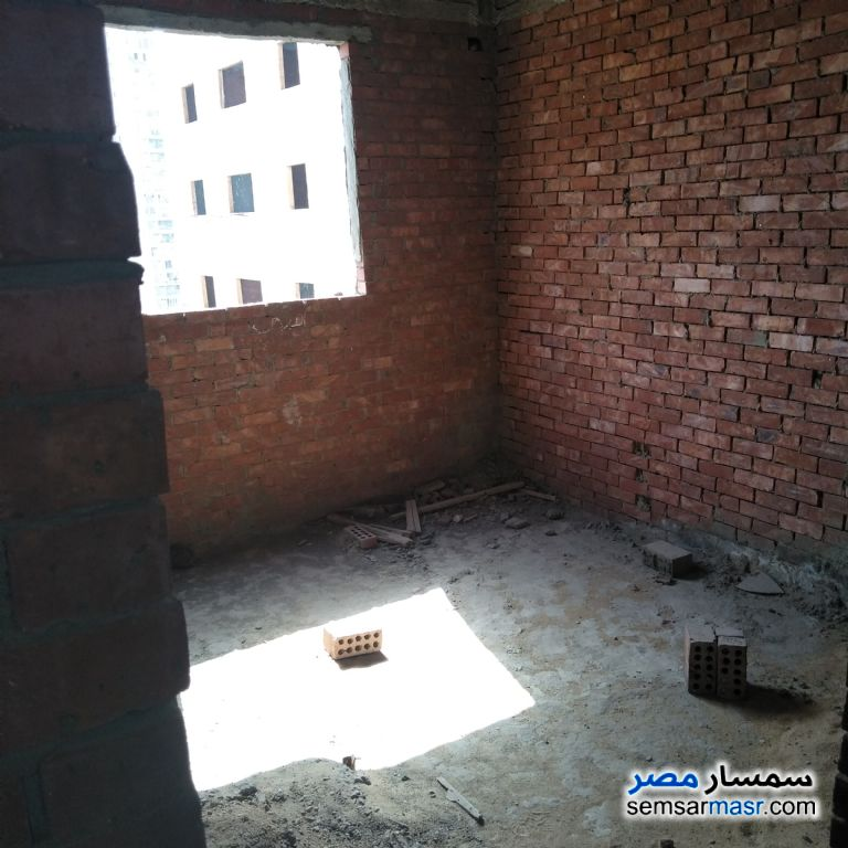 Photo 3 - Apartment 3 bedrooms 2 baths 120 sqm without finish For Sale Dar Al Salaam Cairo
