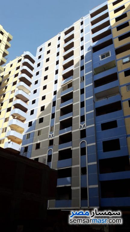 Photo 5 - Apartment 3 bedrooms 2 baths 120 sqm without finish For Sale Dar Al Salaam Cairo