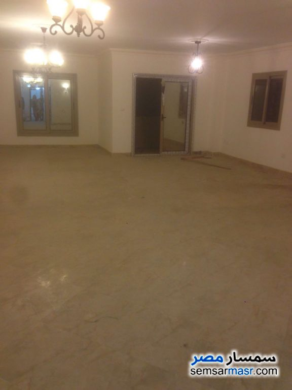 Photo 2 - Apartment 4 bedrooms 3 baths 250 sqm super lux For Rent Mohandessin Giza