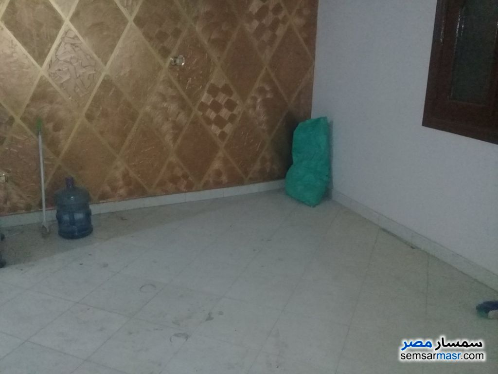 Photo 19 - Apartment 3 bedrooms 2 baths 180 sqm super lux For Rent Haram Giza