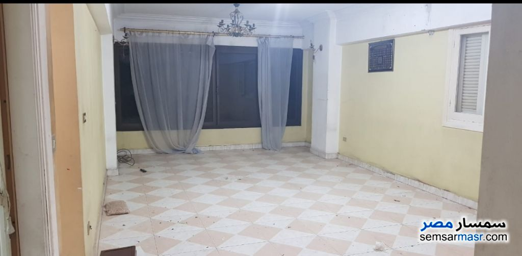 Photo 1 - Apartment 3 bedrooms 1 bath 120 sqm super lux For Rent Hadayek Al Kobba Cairo
