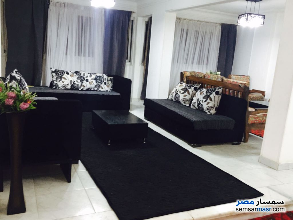 Photo 2 - Apartment 3 bedrooms 2 baths 180 sqm For Rent Haram Giza