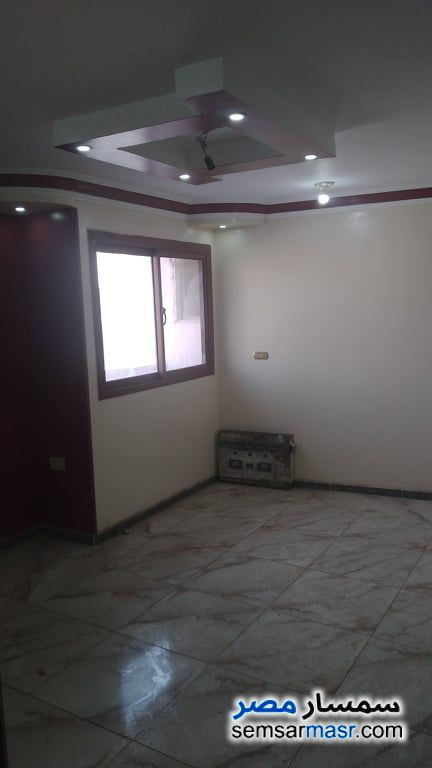 Ad Photo: Apartment 3 bedrooms 1 bath 100 sqm super lux in Marg  Cairo