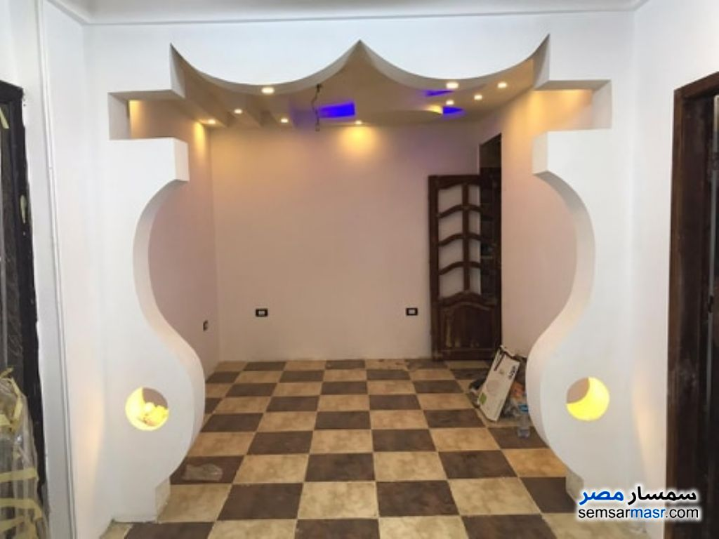 Ad Photo: Apartment 2 bedrooms 1 bath 120 sqm extra super lux in Marg  Cairo