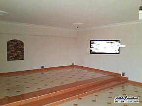 Ad Photo: Apartment 3 bedrooms 2 baths 205 sqm super lux in Halwan  Cairo
