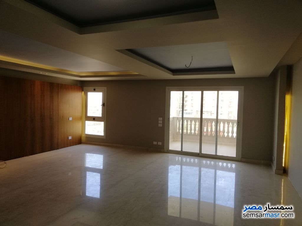 Photo 1 - Apartment 3 bedrooms 2 baths 240 sqm extra super lux For Sale Sheraton Cairo