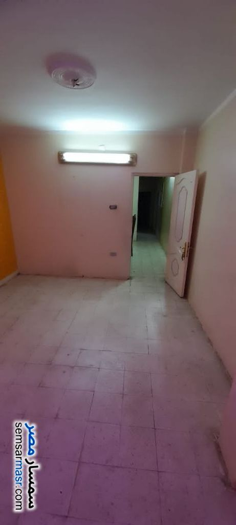 Ad Photo: Apartment 3 bedrooms 1 bath 100 sqm in Shubra  Cairo