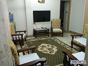 Ad Photo: Apartment 5 bedrooms 1 bath 165 sqm super lux in Bab Al Shereia  Cairo
