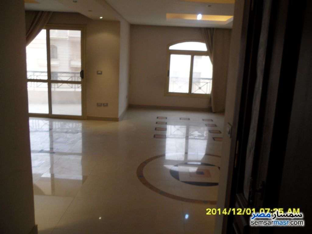 Photo 1 - Apartment 4 bedrooms 3 baths 320 sqm extra super lux For Sale Mokattam Cairo