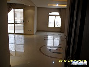 Ad Photo: Apartment 4 bedrooms 3 baths 320 sqm extra super lux in Mokattam  Cairo