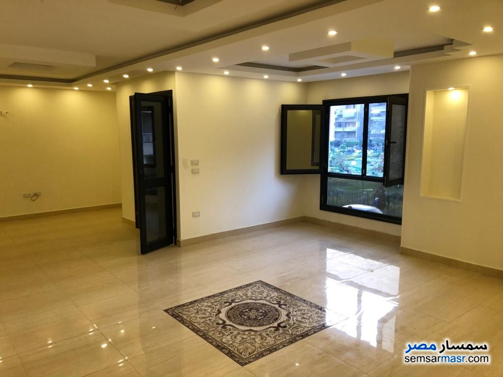 Photo 5 - Apartment 3 bedrooms 3 baths 250 sqm extra super lux For Rent Heliopolis Cairo