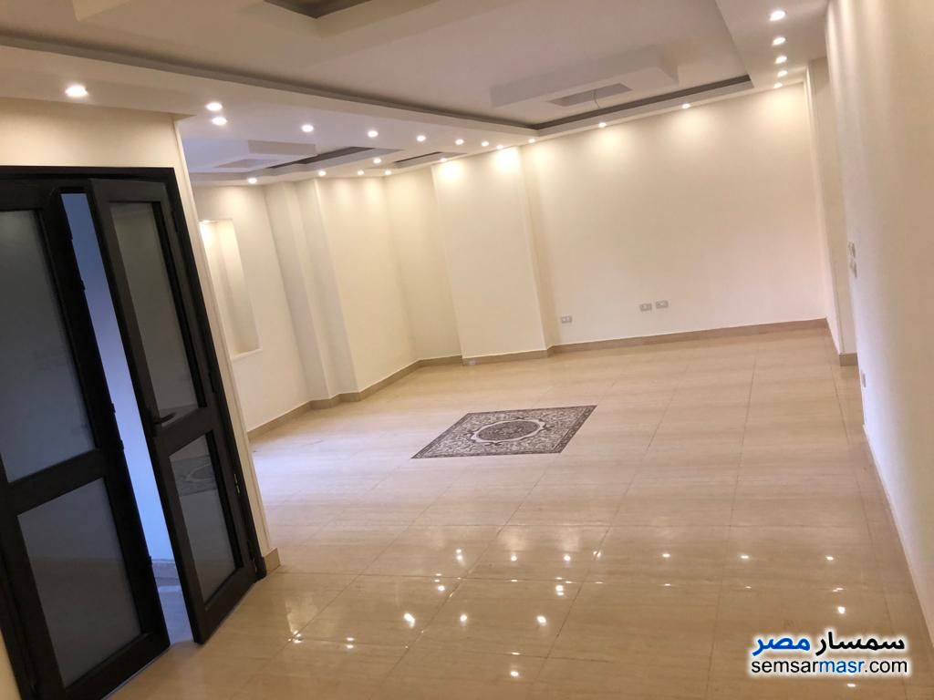 Photo 10 - Apartment 3 bedrooms 3 baths 250 sqm extra super lux For Rent Heliopolis Cairo