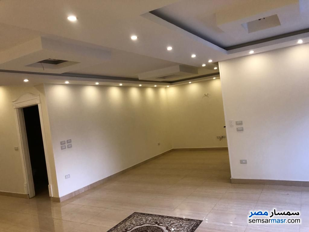 Photo 17 - Apartment 3 bedrooms 3 baths 250 sqm extra super lux For Rent Heliopolis Cairo