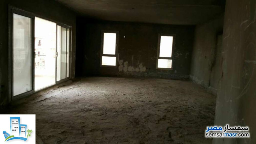 Apartment 3 bedrooms 3 baths 309 sqm semi finished For Sale Fifth Settlement Cairo - 8