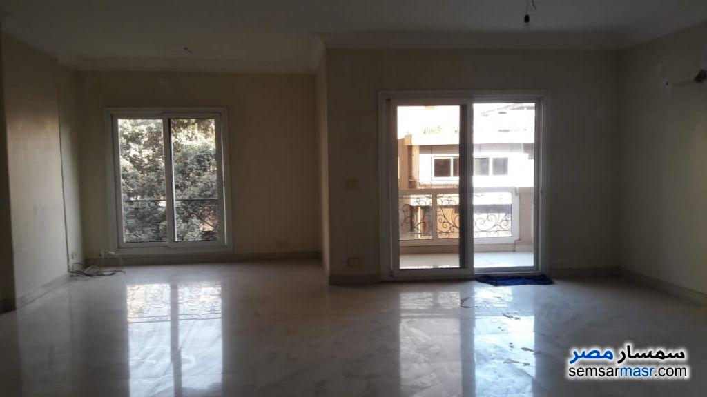 Photo 16 - Apartment 5 bedrooms 3 baths 300 sqm super lux For Rent Agouza Giza