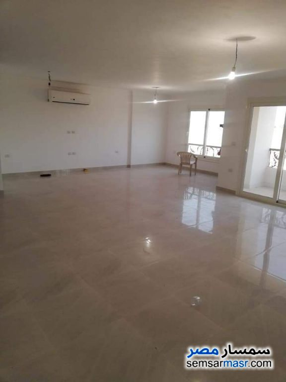Ad Photo: Apartment 3 bedrooms 3 baths 250 sqm super lux in New Nozha  Cairo