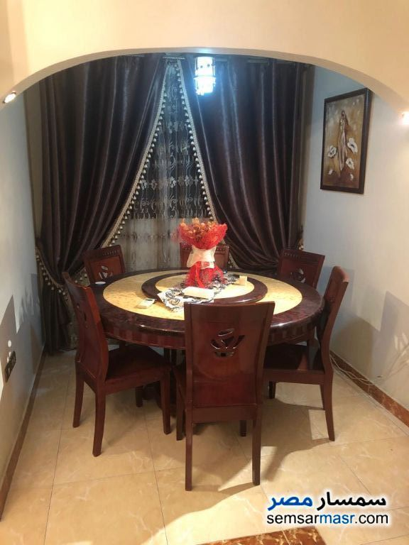 Ad Photo: Apartment 2 bedrooms 1 bath 135 sqm super lux in Heliopolis  Cairo