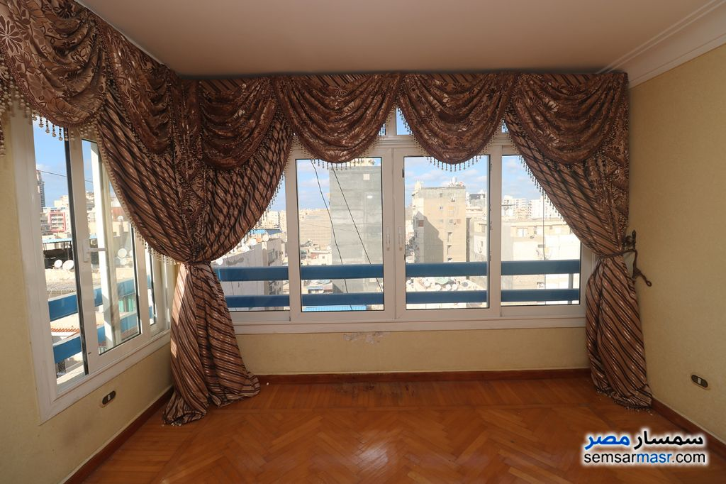 Ad Photo: Apartment 3 bedrooms 2 baths 165 sqm extra super lux in Zezenia  Alexandira